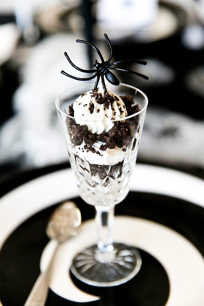 Spider Cookies & Cream Parfait for a Spooky Cute Halloween Treat! Pizzazzerie.com