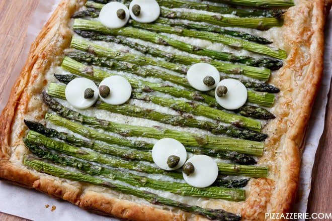 Monster Eye Asparagus Tart, cute for a Halloween dinner! Pizzazzerie.com