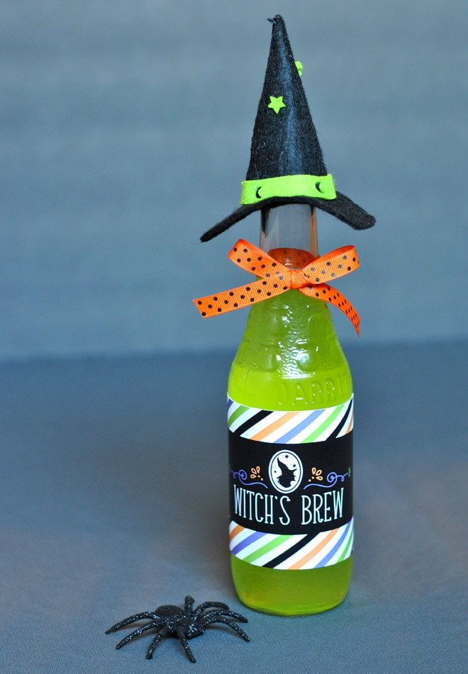 Add a Witch's Hat to your Halloween Drink Bottles! Pizzazzerie.com