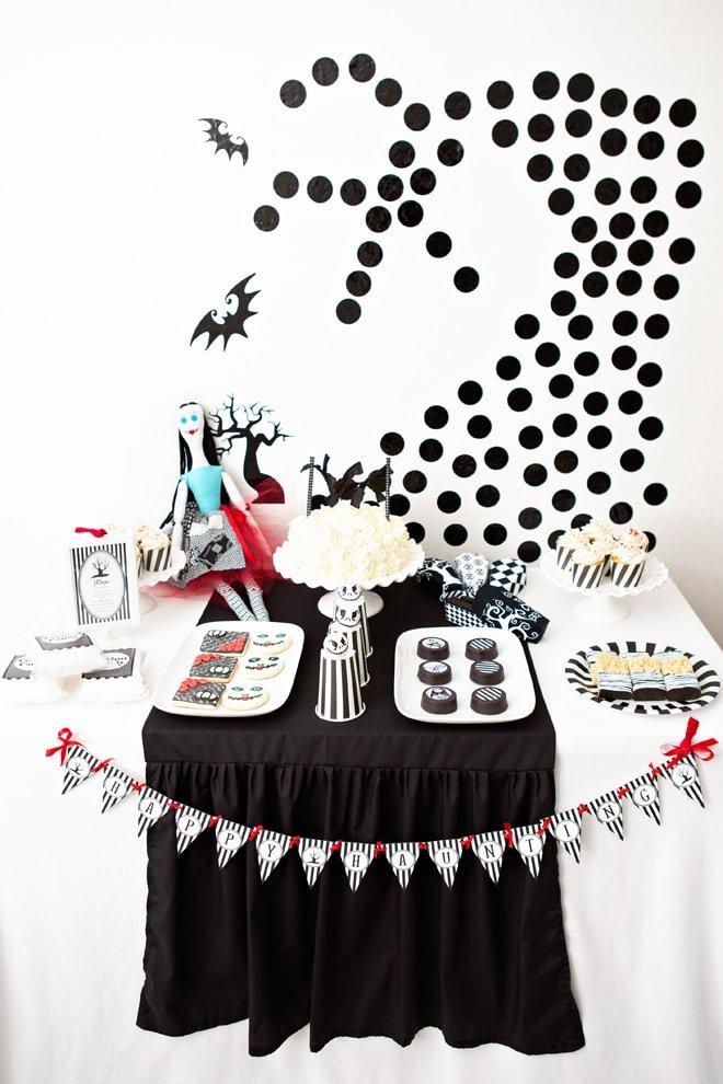 tim burton inspired halloween party - Tim Burton Halloween Decorations