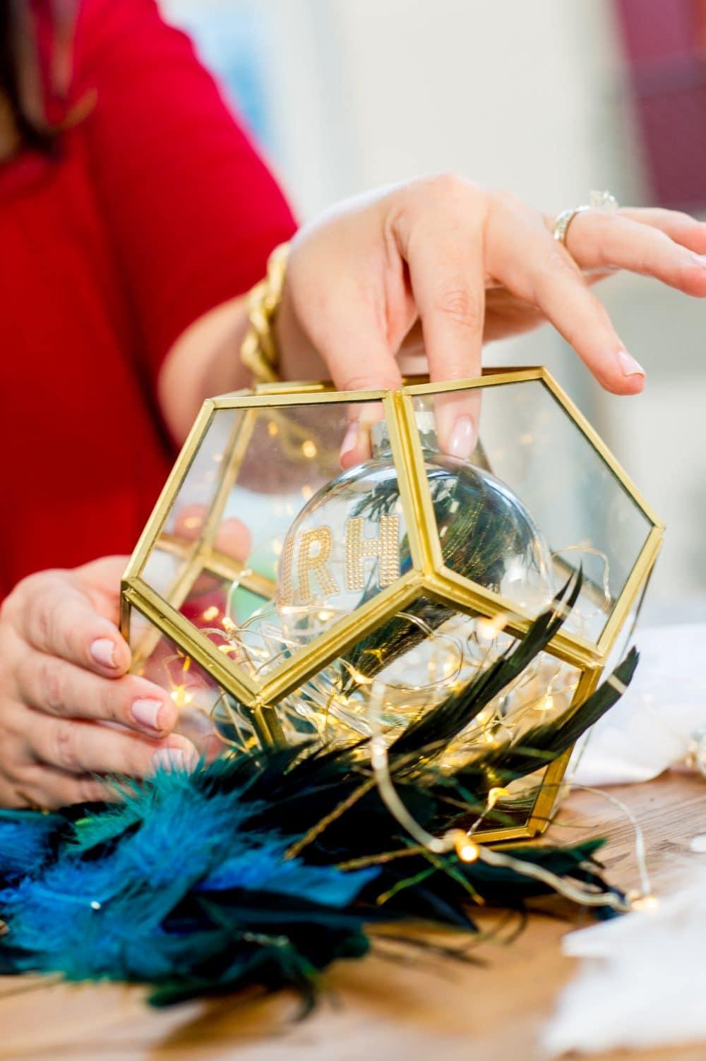 Create Unique Holiday Ornaments!