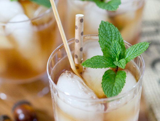 Tutorial: DIY Acorn Drink Stirrers