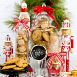 How to throw a cookie exchange party this holiday season! + free printable recipe card!