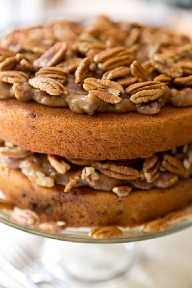 Pecan Pie Cake - So good and perfect for Thanksgiving! Pizzazzerie.com