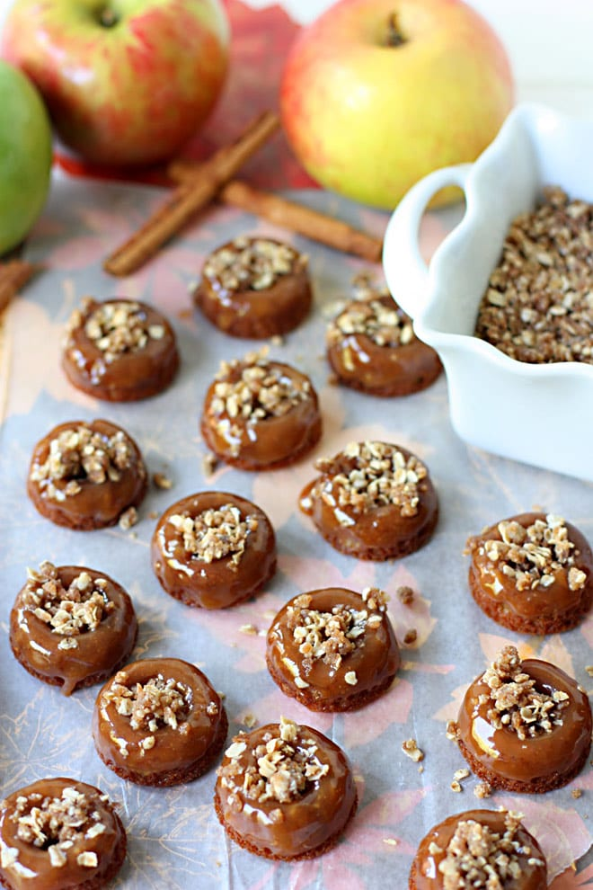 Mini Caramel Apple Crisp Donuts - too cute and so yummy!