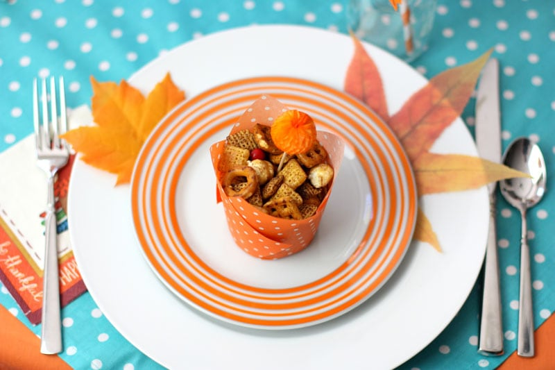 Set a colorful Kids Thanksgiving Table!