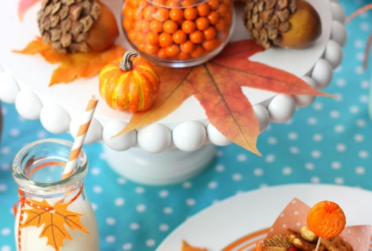 Set a Colorful Kids' Thanksgiving Table
