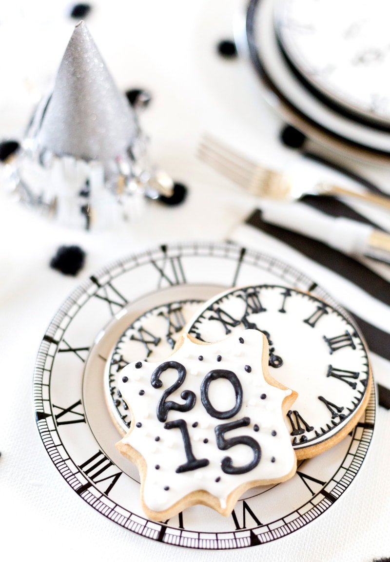 black white new years eve party by pizzazzeriecom