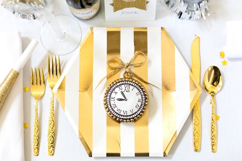 Chic Gold New Year's Eve Tablescape