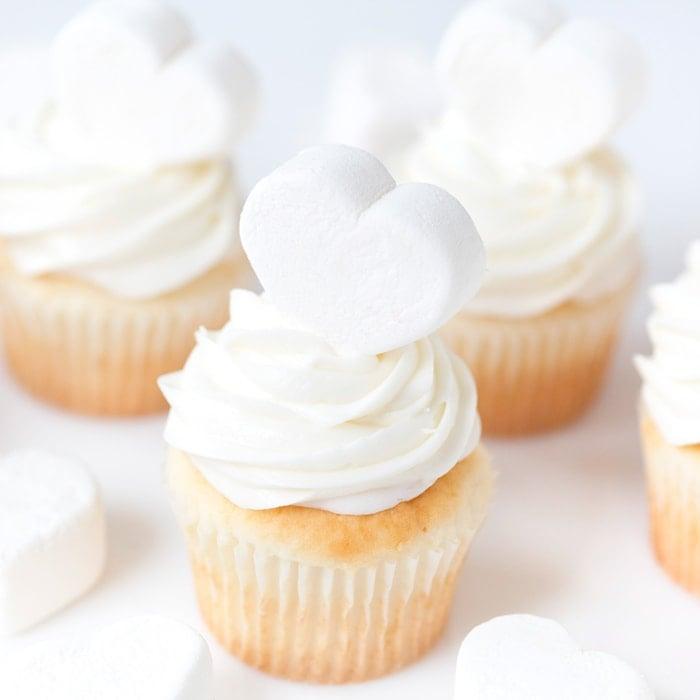 Marshmallow Heart Cupcakes, Valentine's Day   Pizzazzerie.com