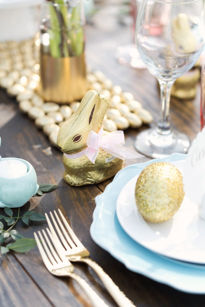 Gorgeous Rustic Chic Easter Brunch Tablescape | Pizzazzerie.com