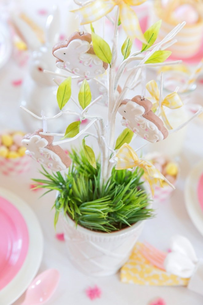 Kids' Easter Tablescape, Pizzazzerie.com for HGTV