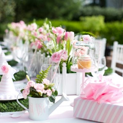 pink and white party table