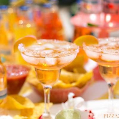 Peach Fuzzy Navel Margarita, delicious twist on the classic for Cinco de Mayo | Pizzazzerie.com
