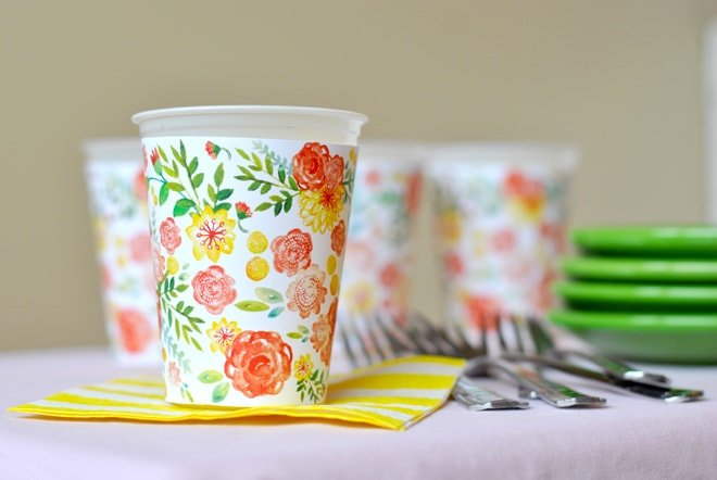 Free Printable Spring Cup Wrappers! Cute for showers, parties, etc.