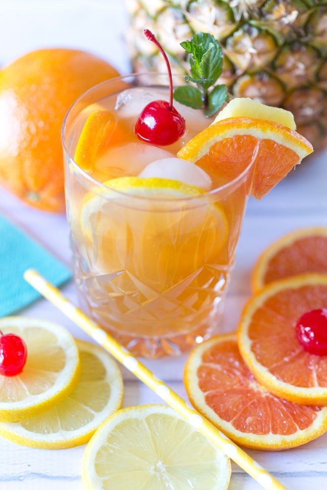 Southern Fruit Tea Cocktail Recipe! The perfect summer beverage!