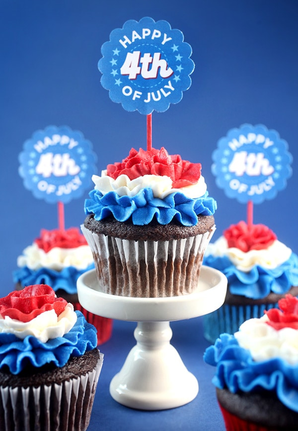 Red, White & Ruffled 4th of July Cupcakes