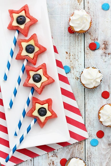 4th of July Fruit Pops - Healthy Alternative to sweets for the 4th!