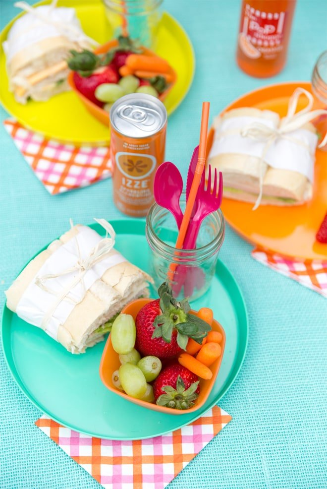 Tips for hosting a Colorful Summer Picnic!