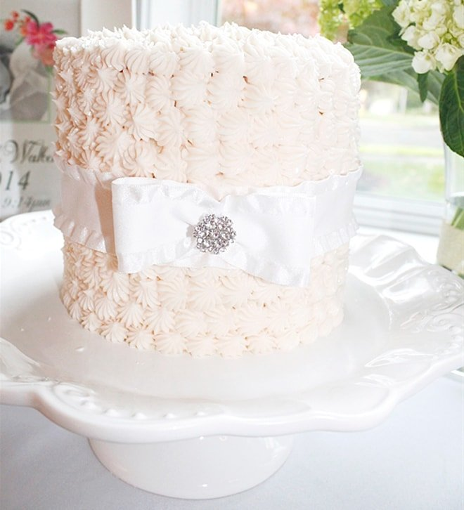 gorgeous baby shower cake!