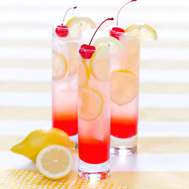 Refreshing Cherry Lemonade Drink