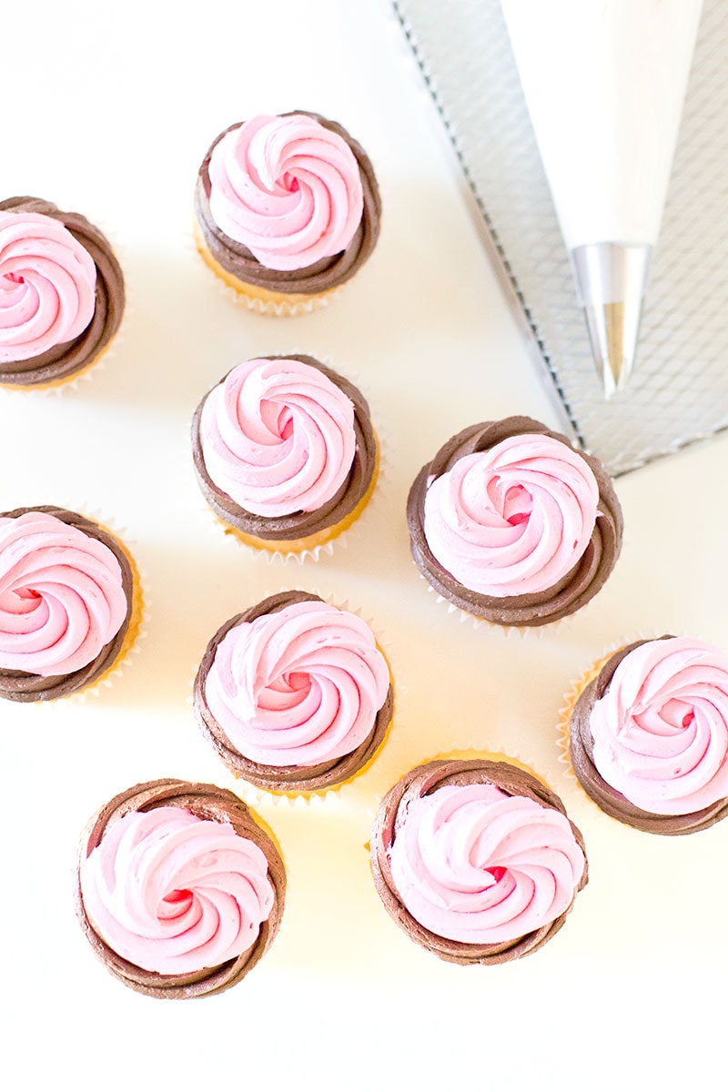 How to Pipe Frosting on a Neapolitan Cupcake