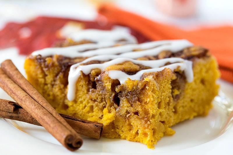 Pumpkin Cinnamon Roll Cake, SO MOIST & Delish! Pizzazzerie.com