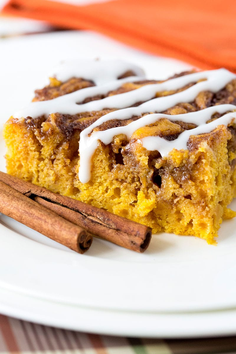 Pumpkin Cinnamon Roll Cake, SO MOIST & Delish! Pizzazzerie.com