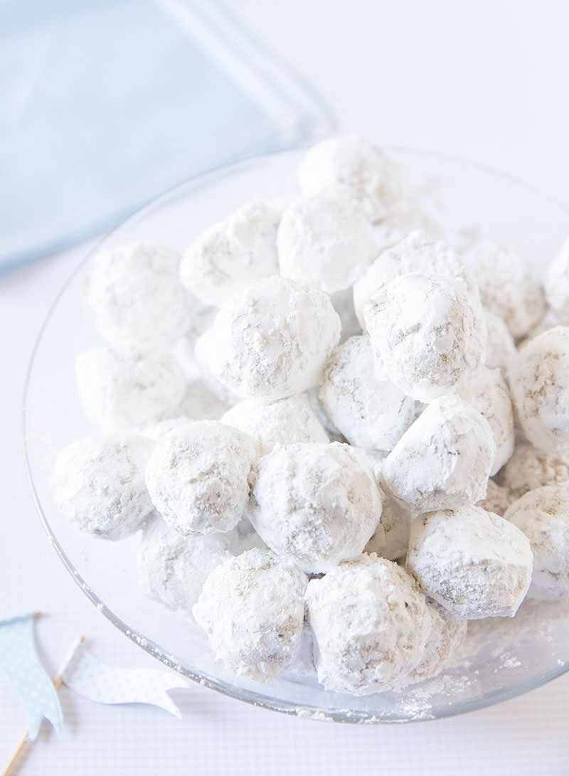 Powdered Sugar Snowball Cookies Pizzazzerie.com