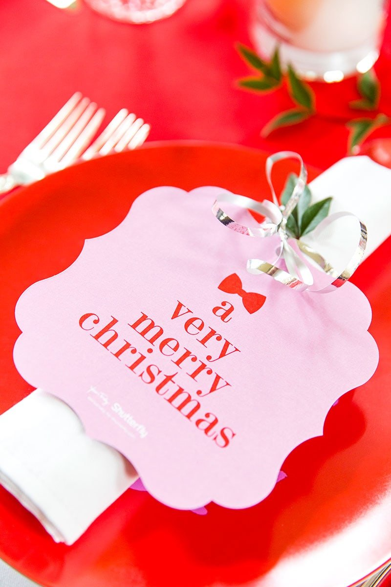 A Very Merry Christmas Tablescape from Pizzazzerie.com