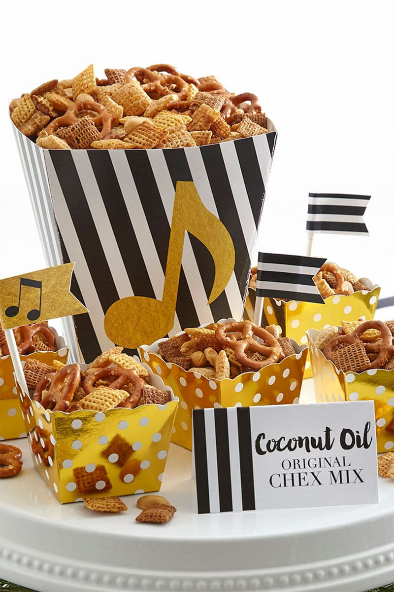 Coconut Oil Chex Mix - Perfect treat for holiday parties!