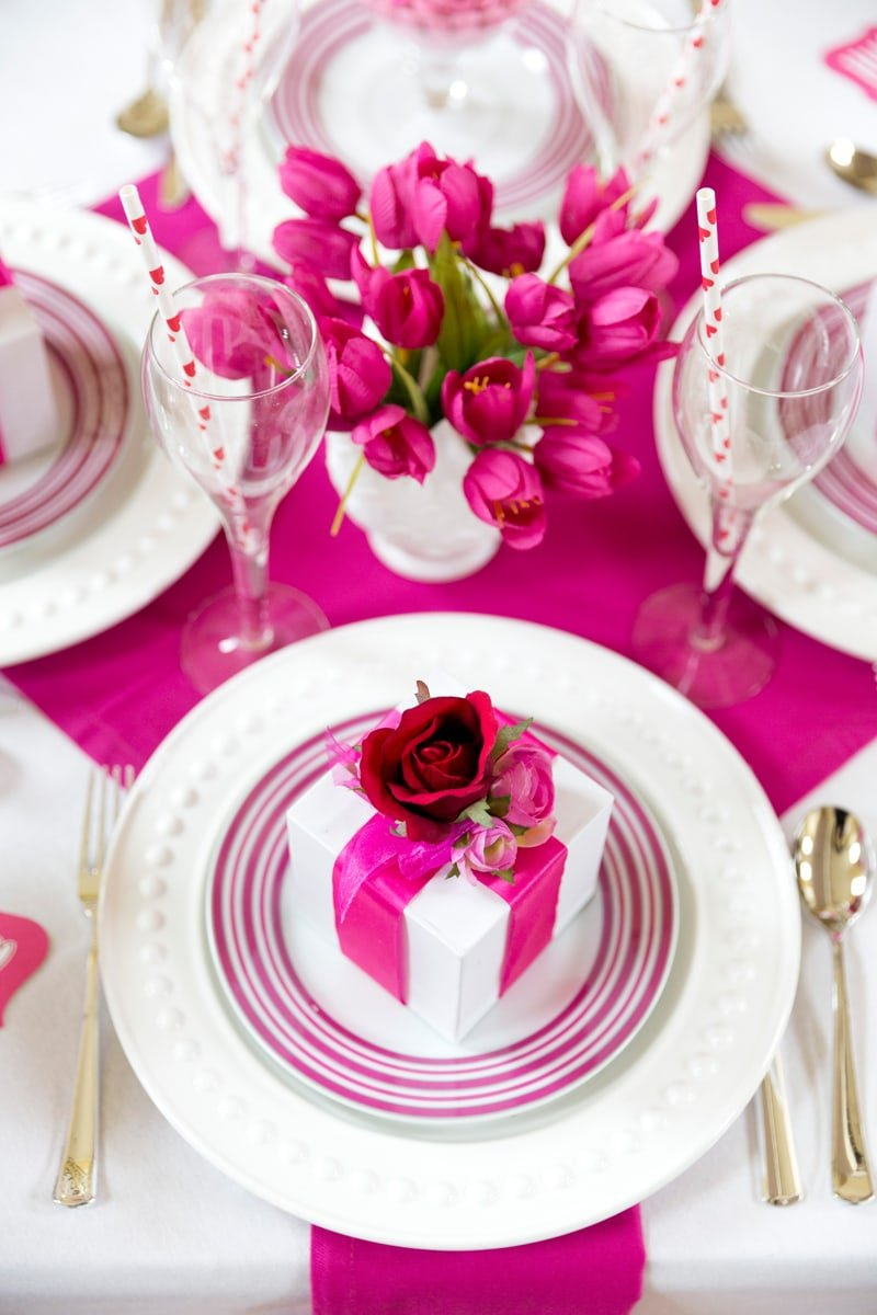 Valentine's Day Party Tablescape