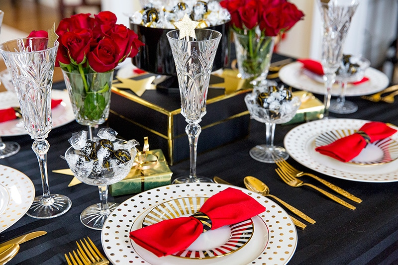 Golden Globes Award Show Party Tablescape by Pizzazzerie.com