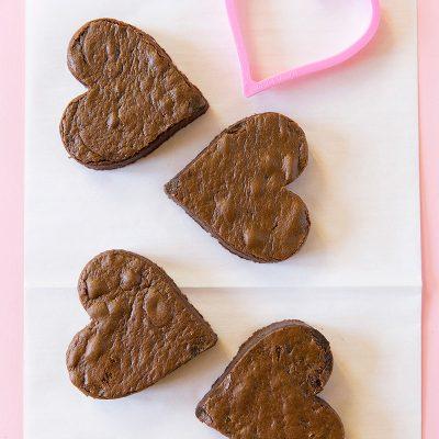 How to make Valentine Chocolate Fudge Heart Cakes