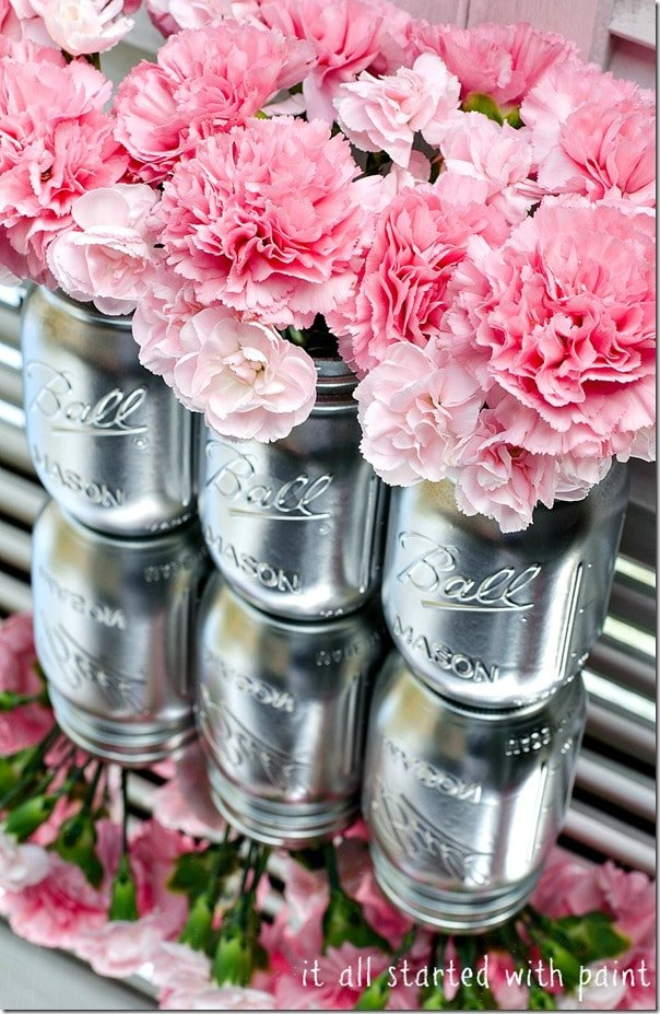 Spray Paint Mason Jars in Metallic for a GORGEOUS Centerpiece!