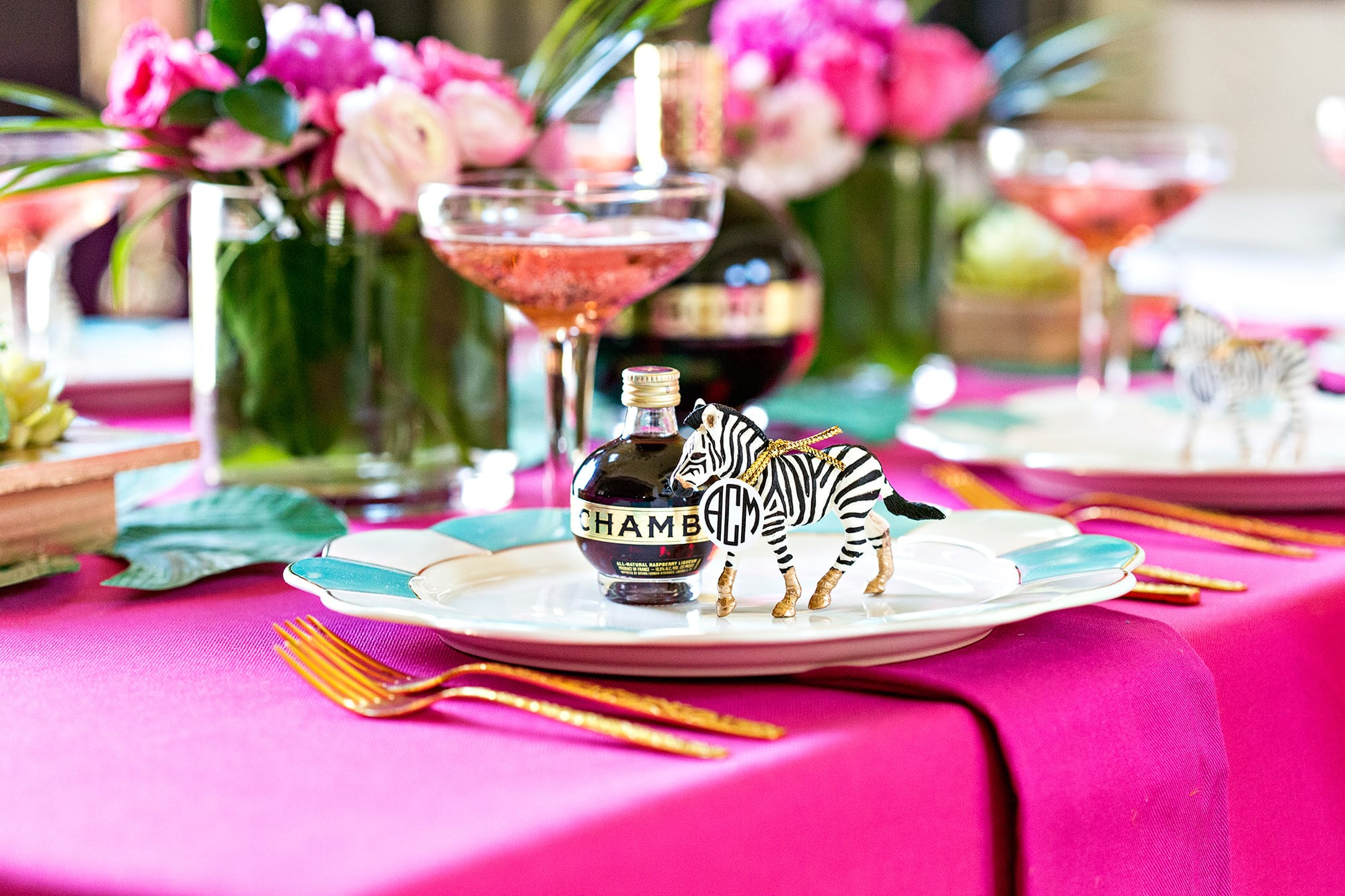 Table Decorations: DIY Cocktail Party Tablescape