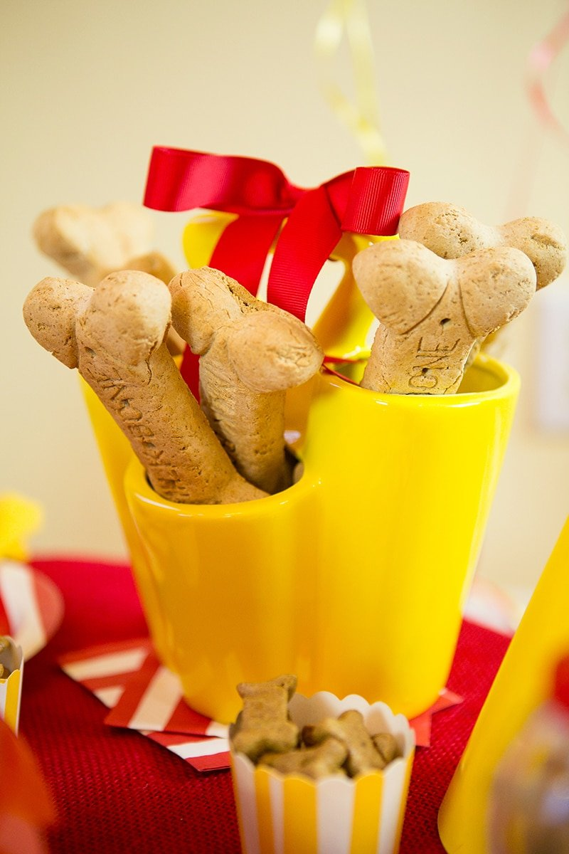 Dog Bone Pawty Centerpiece!