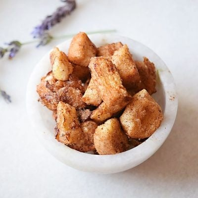 French Toast Bites, party style! So cute for breakfast parties, brunches, etc. And the kids LOVE THEM!
