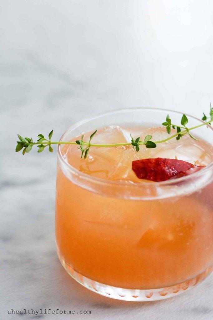 Peach Cocktails - Peach Bourbon Thyme Smash