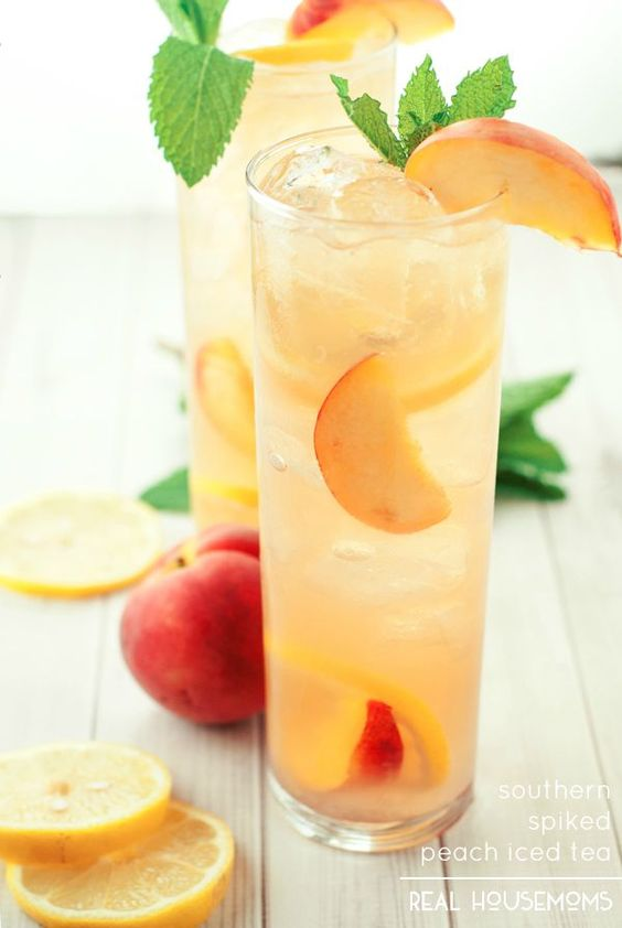 Peach Cocktails - Southern Spiked Peach Ice Tea