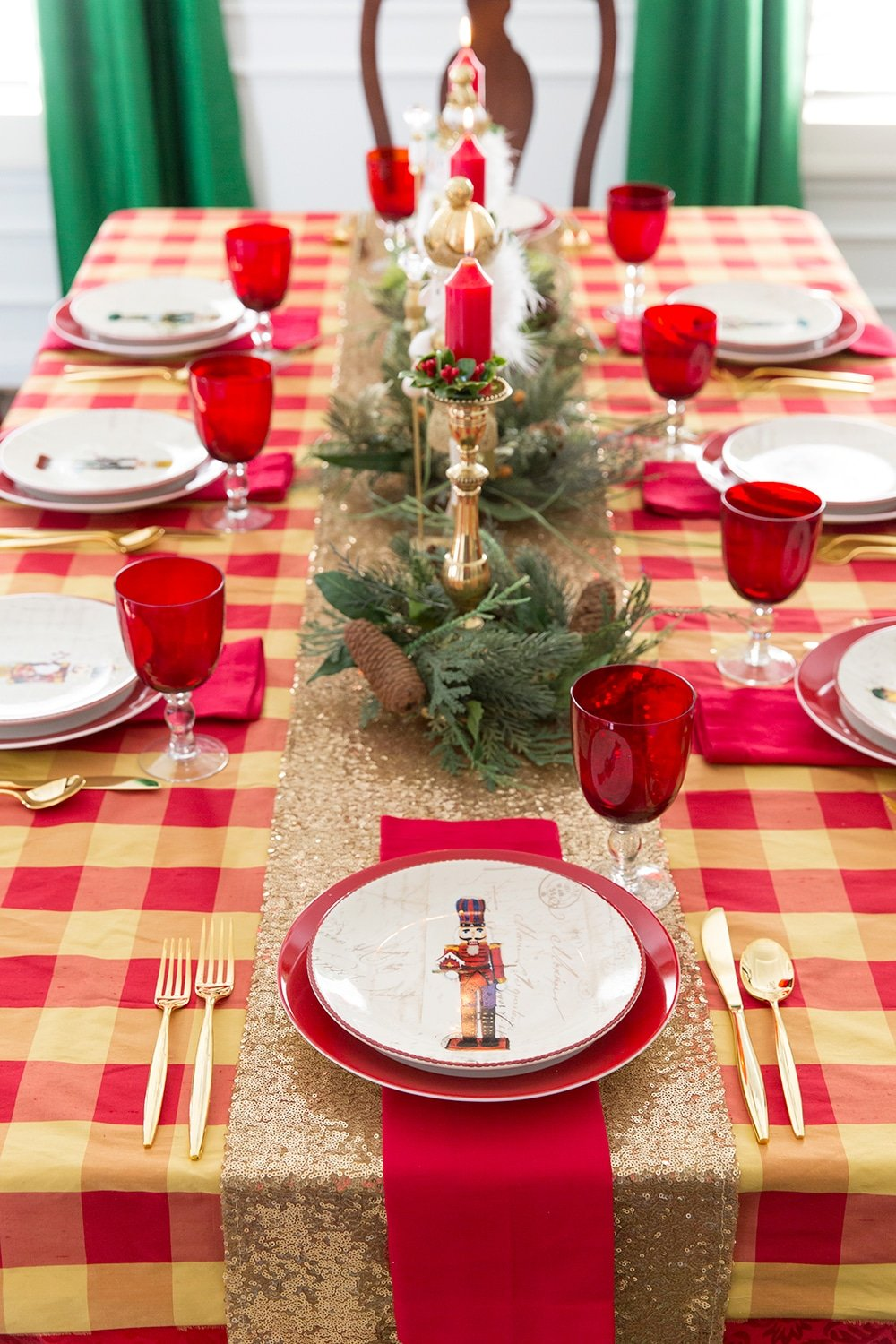 christmas table ideas nutcracker tablescape. Black Bedroom Furniture Sets. Home Design Ideas