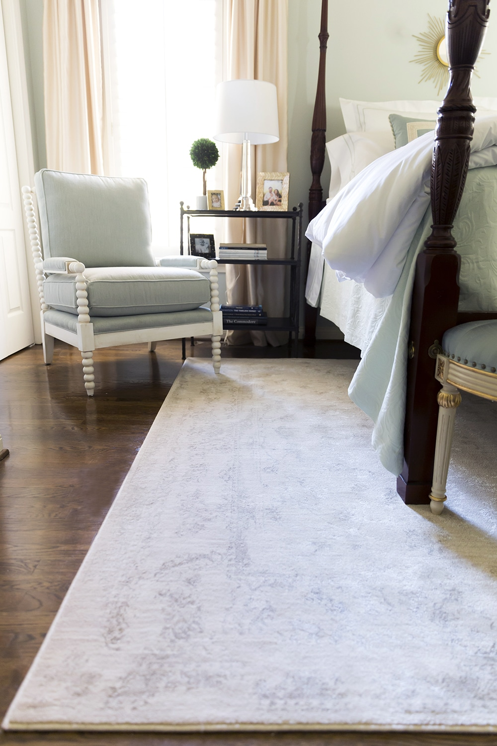 The perfect beige rug for any room!