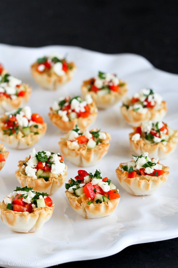 Skinny Party Appetizer: Mini Hummus and Roasted Pepper Phyllo Bites