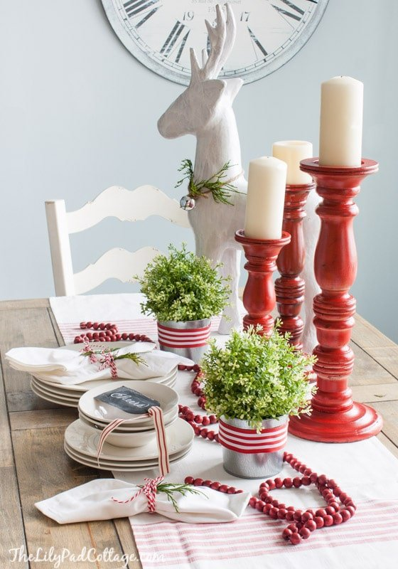 Simple Christmas Tablescape, adore it!