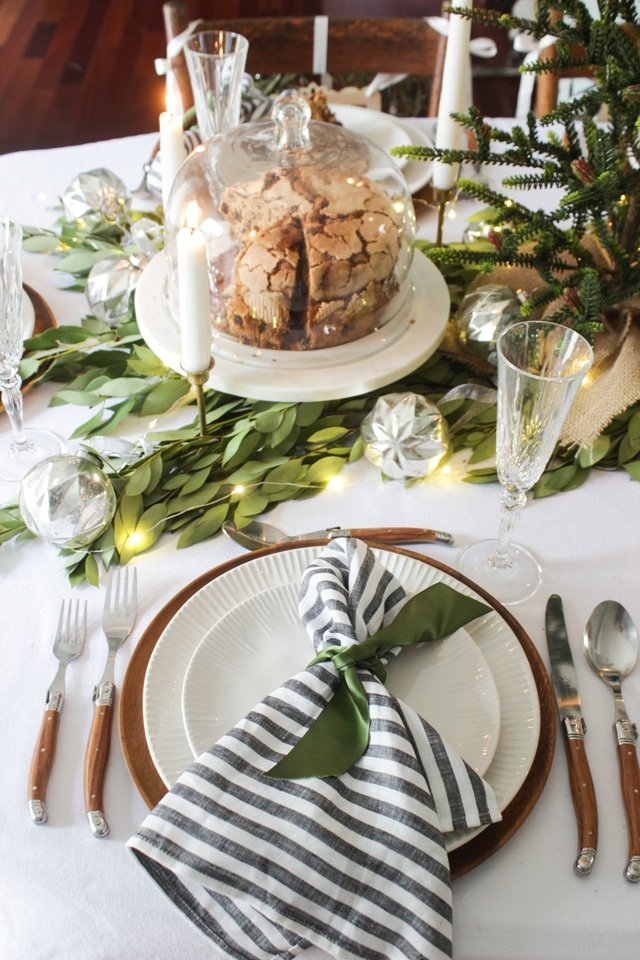 Gorgeous fresh green Christmas tablescape!