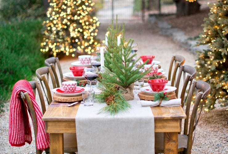 11 Festive Holiday Tablescapes to Inspire You!
