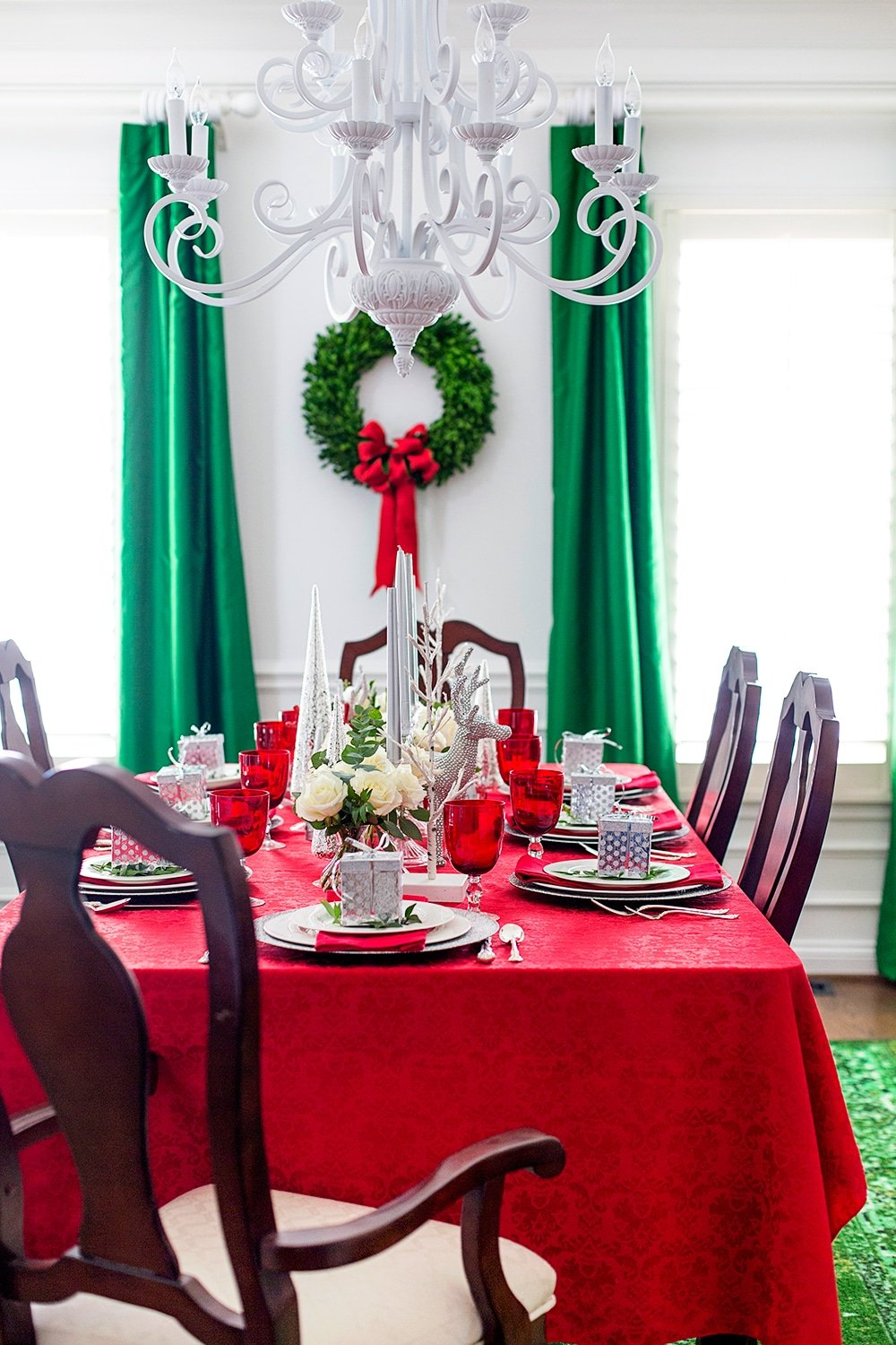 Gorgeous Holiday Tablescape + Free Printables!