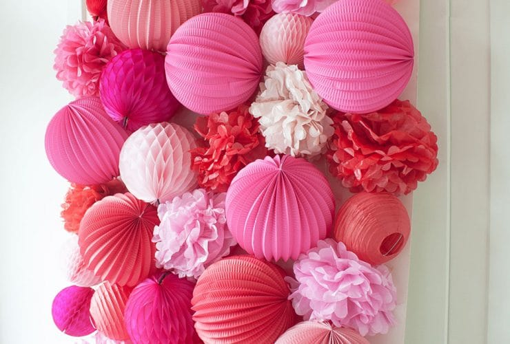 DIY Pink and Red Valentine's Party Wall