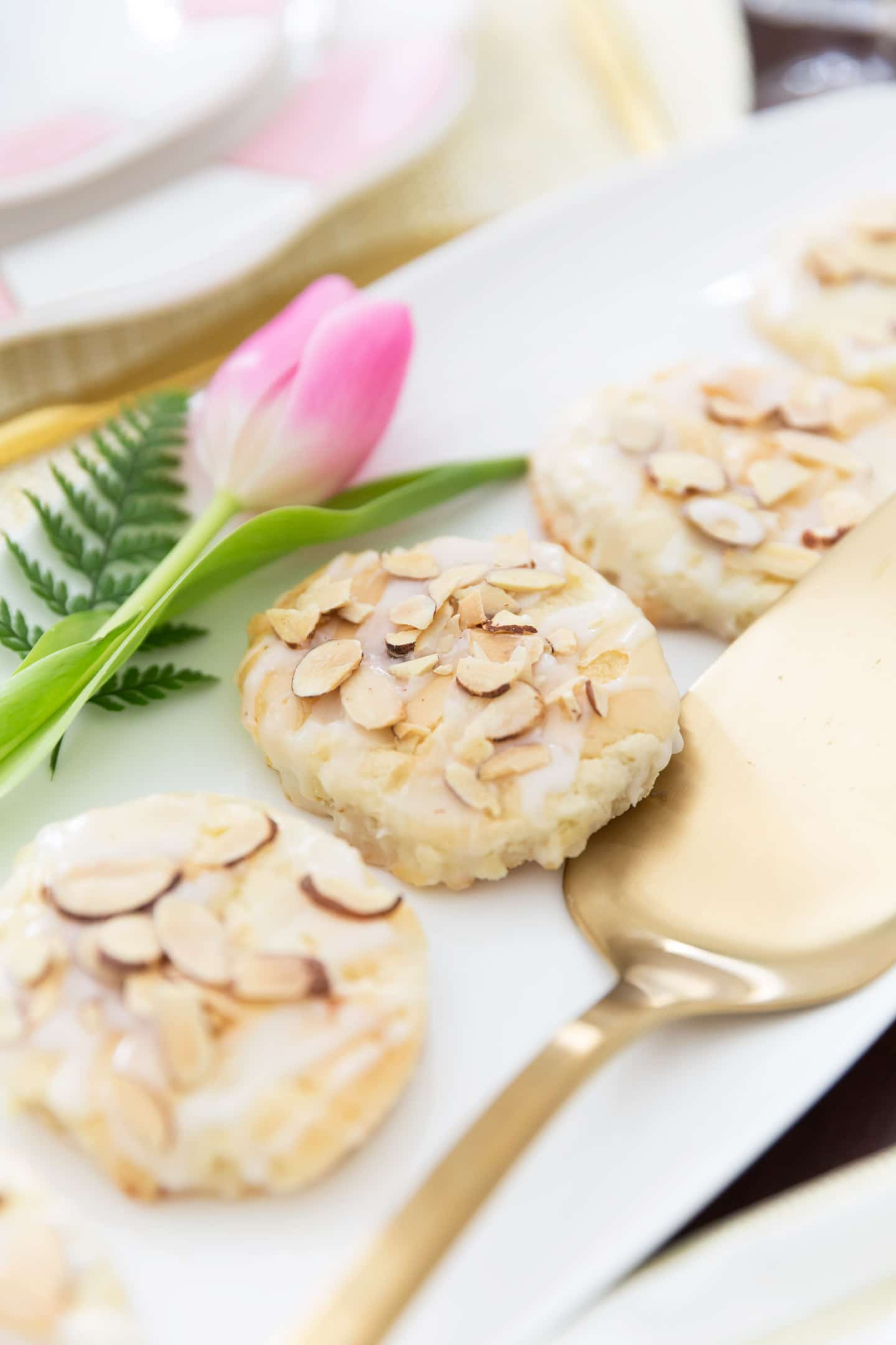 Almond Pastry, Delicious recipe for Easter!