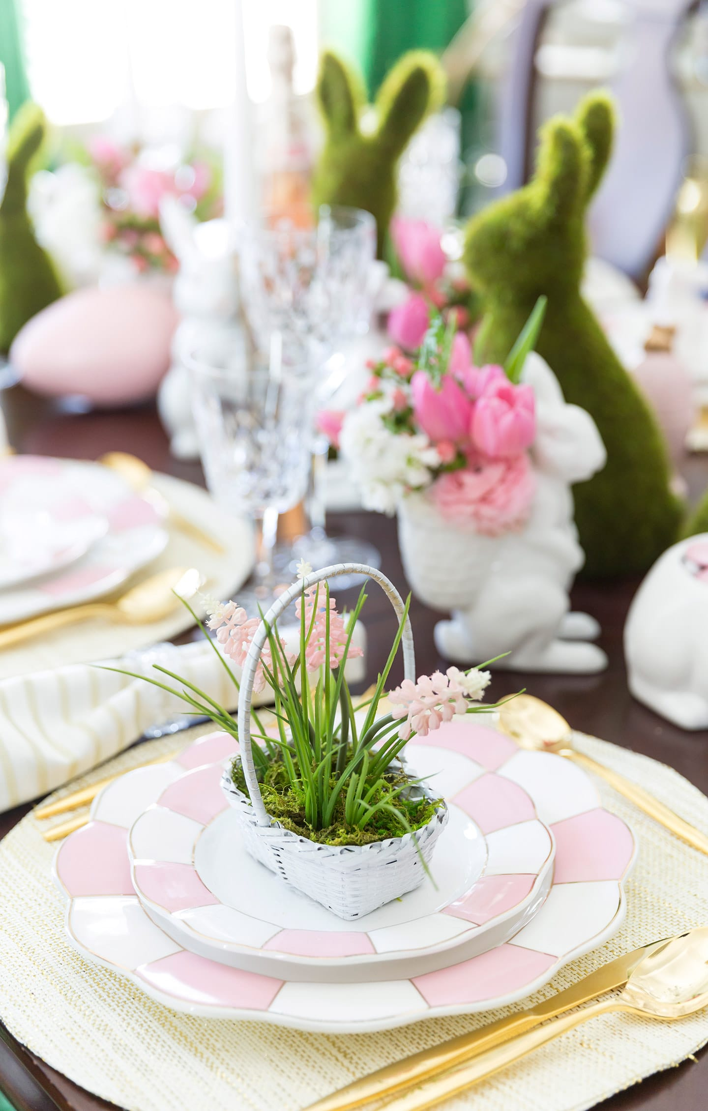 How to set a gorgeous Easter Tablescape